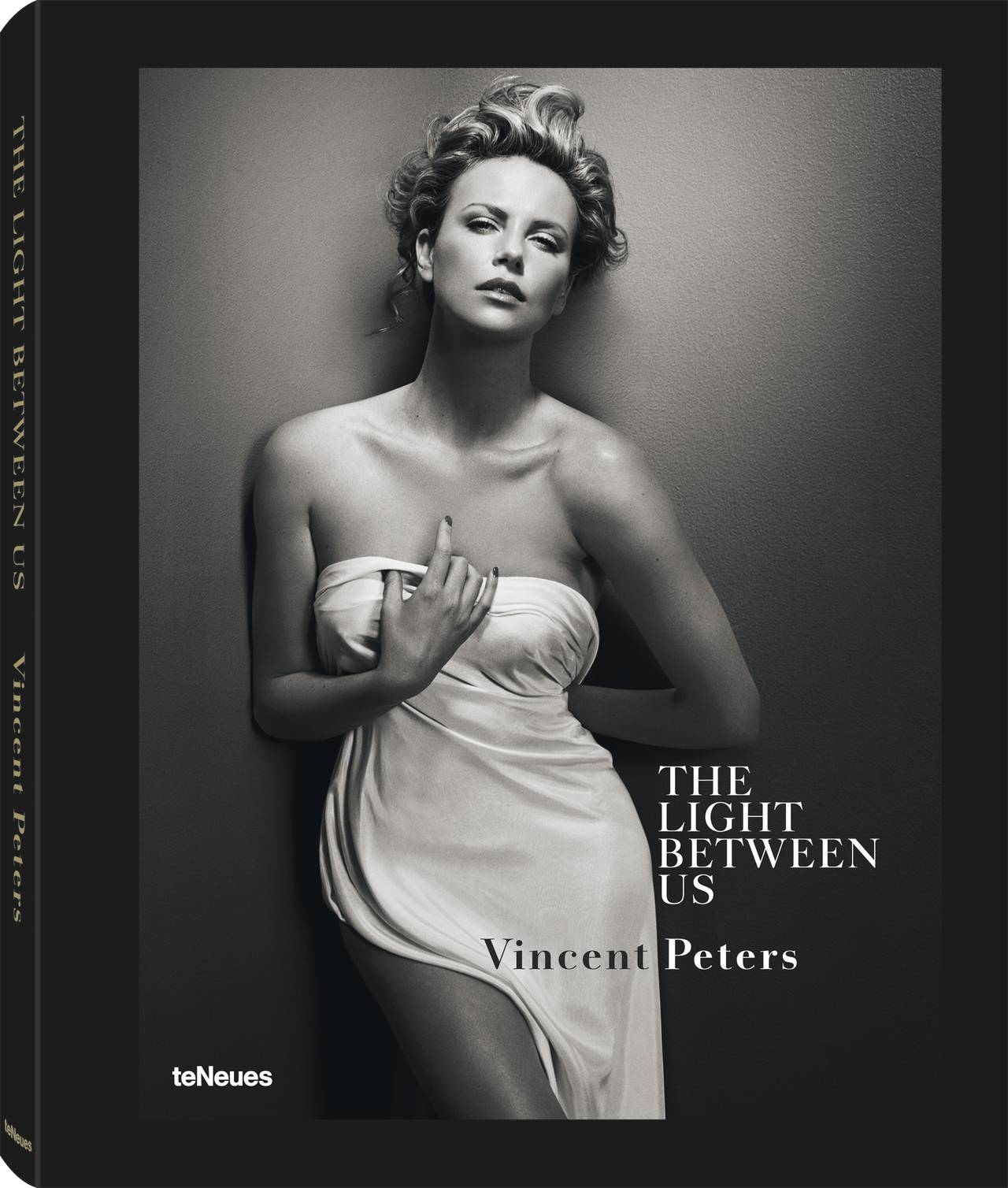 © The Light Between Us by Vincent Peters, published by teNeues, www.teneues.com. Charlize Theron, Photo © 2014 Vincent Peters. All rights reserved.