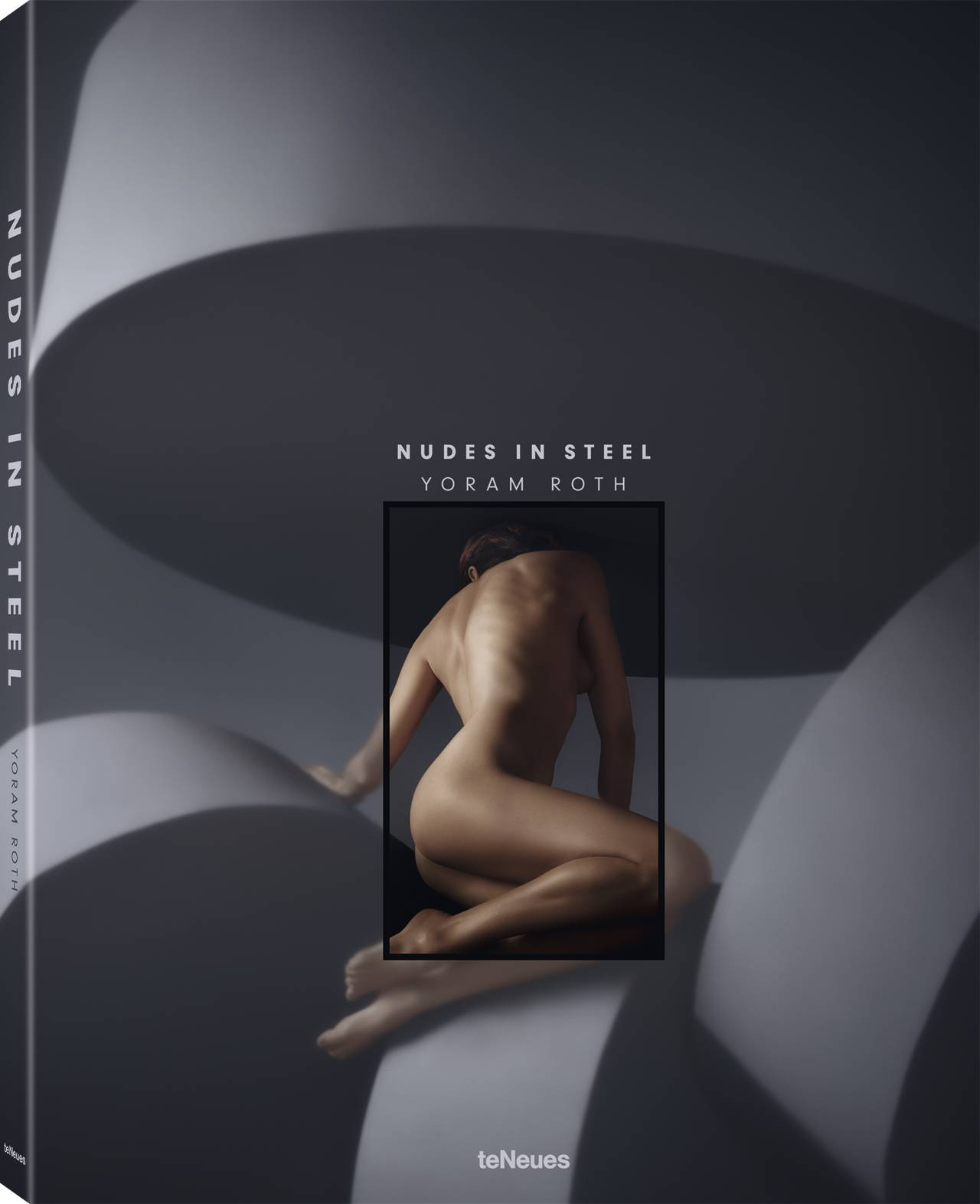 © Nudes in Steel by Yoram Roth, published by teNeues, www.teneues.com, Roarie turning away, Brutalism, Photo © 2018 Yoram Roth. All rights reserved. www.yoramroth.com