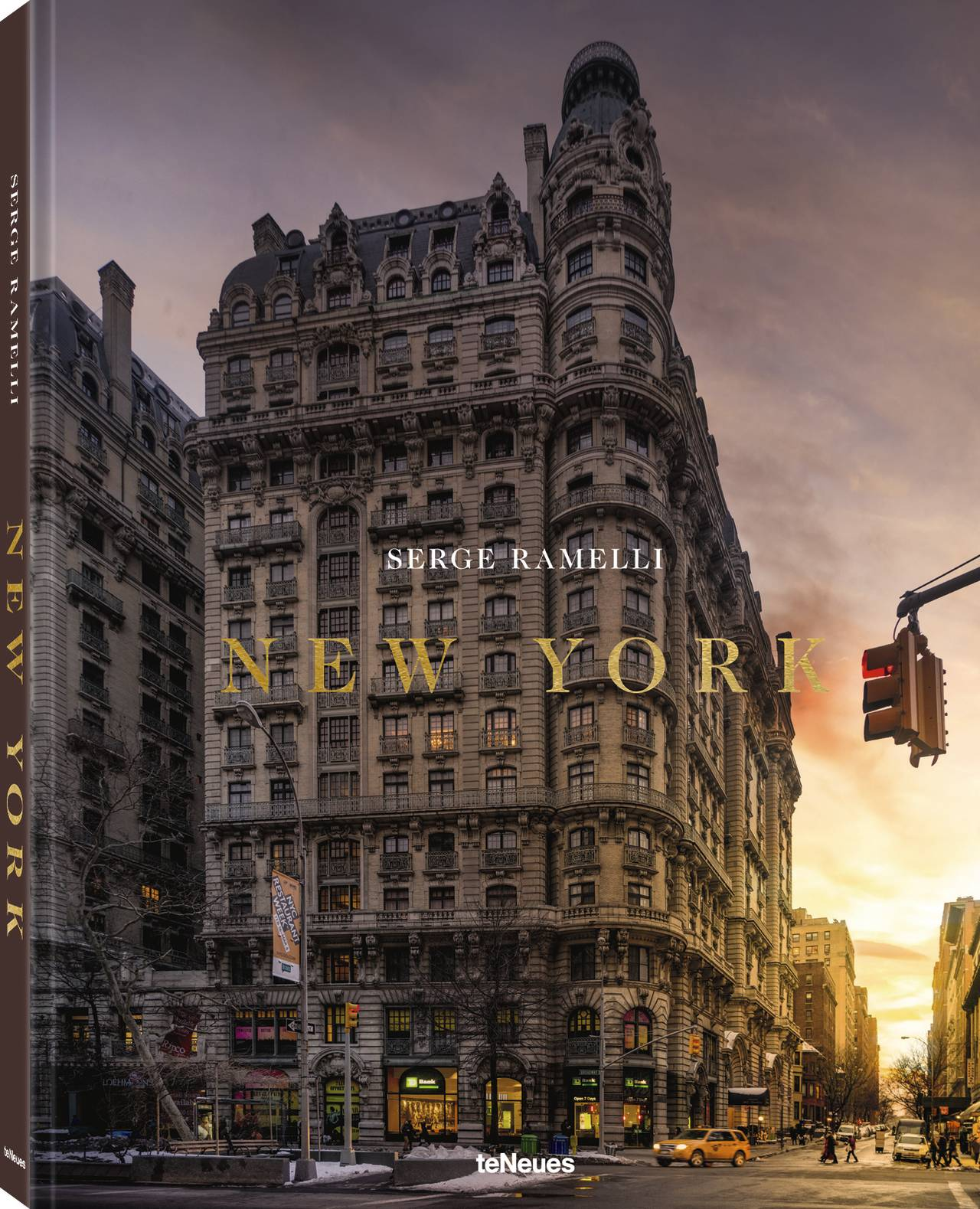 © New York by Serge Ramelli, published by teNeues, www.teneues.com, The Upper West Side at sunset, Photo © 2019 Serge Ramelli