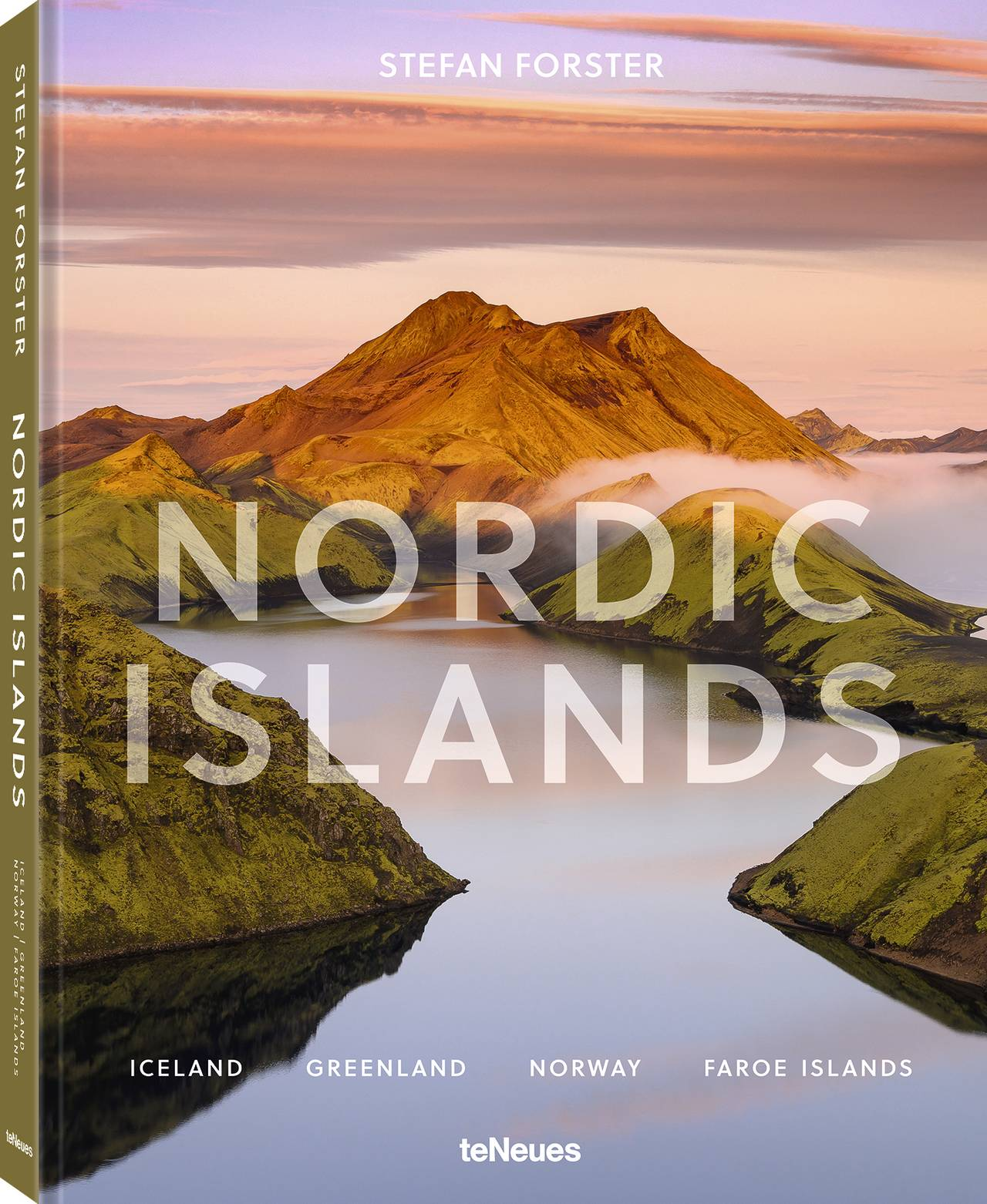 © Nordic Islands by Stefan Forster, published by teNeues, www.teneues.com, ICELAND, Photo © 2020 Stefan Forster. All rights reserved.