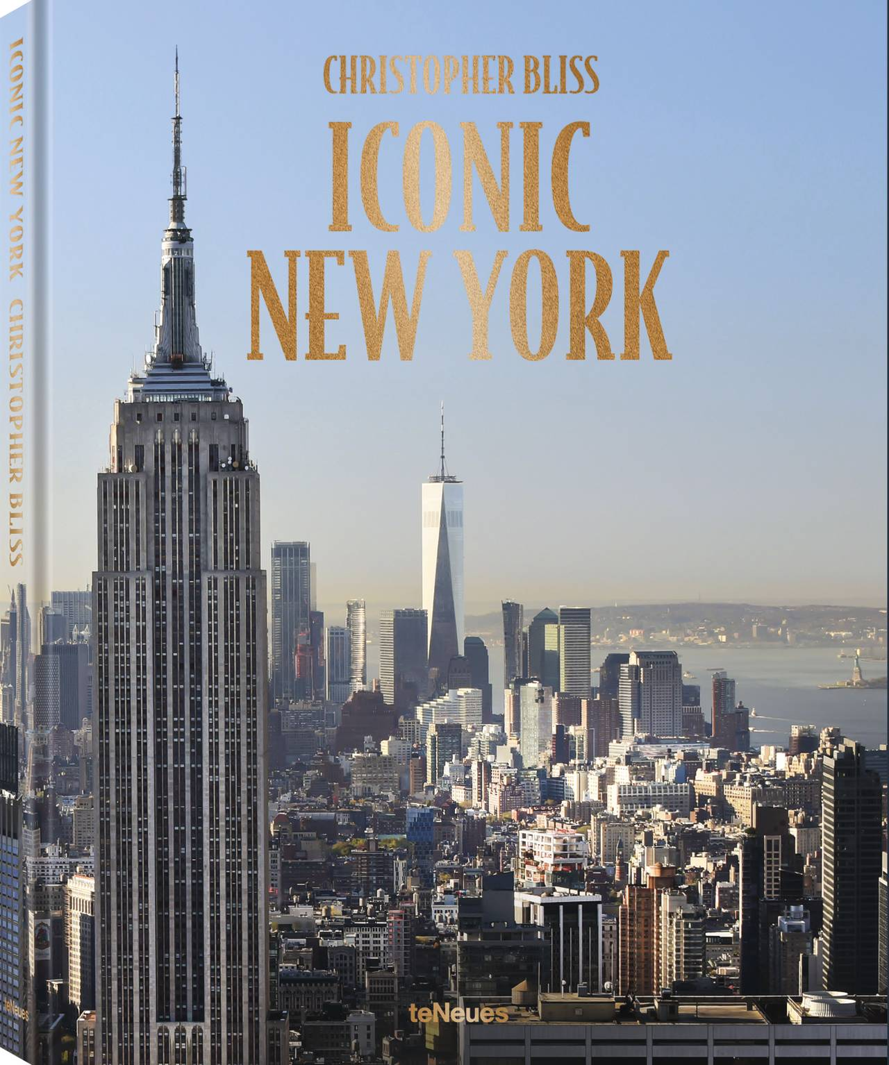 © ICONIC NEW YORK Expanded Edition by Christopher Bliss, published by teNeues, www.teneues.com, New York City skyline looking south, 2019, Photo © 2019 Christopher Bliss. All rights reserved.